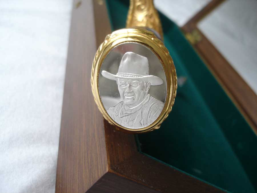 John Wayne Commemorative Bowie Knife